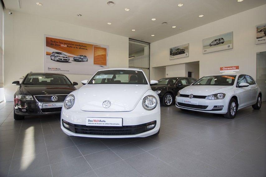 ¿Son caros los préstamos para comprar coche que ofrecen los concesionarios?