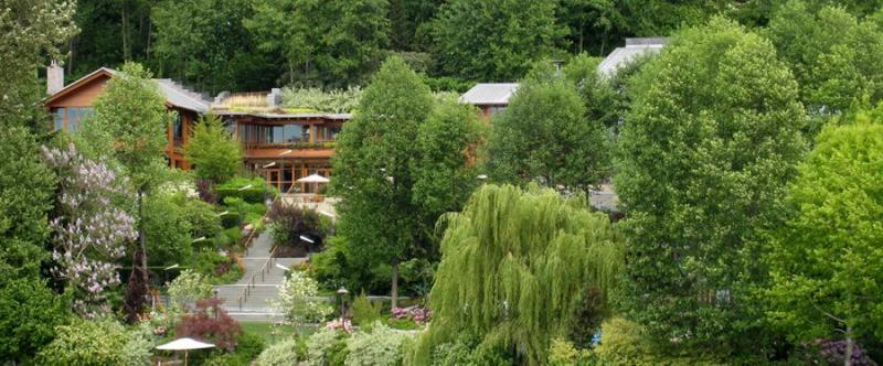 Así es la mansión de 178 millones de Bill Gates: 24 baños y una habitación de camas elásticas